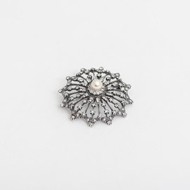 Brooch Revival with Pearl