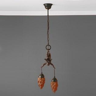 voorbeeld van een van onze Cupid Lamps and Pate de verre